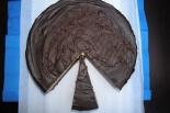 Sernik z kawałkami czekolady na spodzie brownies