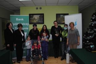 Bank Spółdzielczy w Tarczynie obdarował troje dzieci z powiatu piaseczyńskiego - relacja