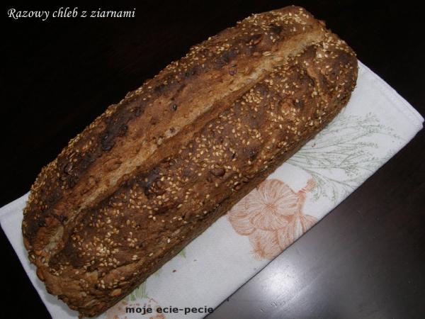 Razowy chleb z ziarnami