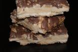 Mazurek fistaszkowy z mleczną czekoladą
