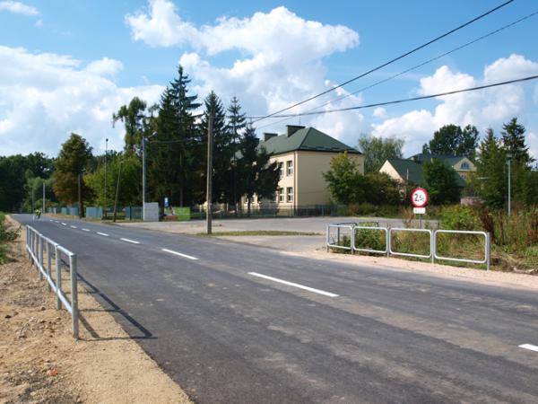 Nowa droga do szkoły w Uwielinach