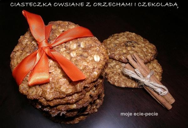 Ciasteczka owsiane z orzechami i czekoladą