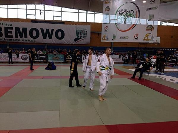 Turniej brazylijskiego ju jitsu z zawodnikami Klubu Ikizama na podium