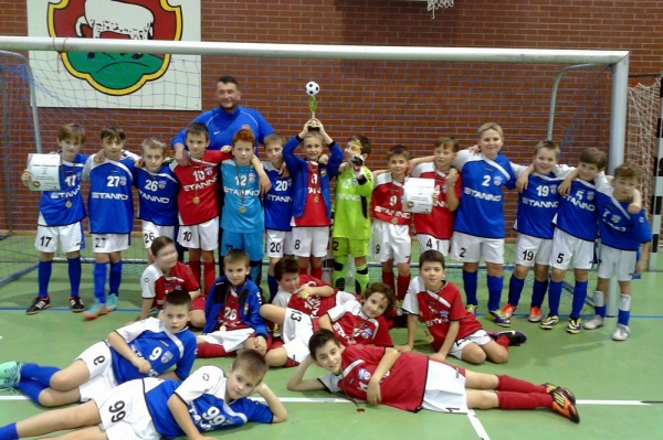 Turniej Piłki Nożnej o Puchar Burmistrza Piaseczna - sukces UMKS PIASECZNO 2003