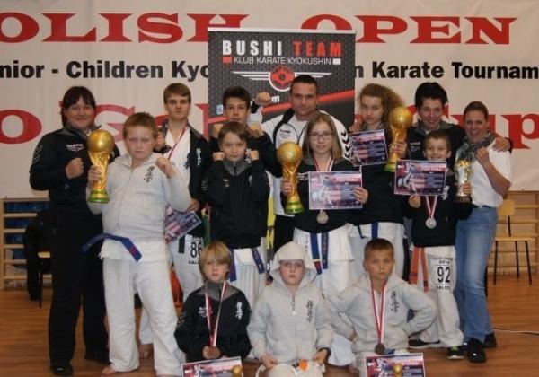 Medalowi karatecy z Bushi Team