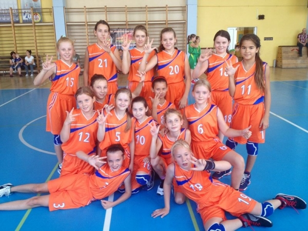 Sukcesy młodych koszykarek i koszykarzy z Piaseczna