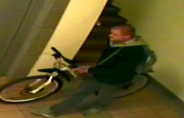 Wizerunek podejrzewanego o kradzież roweru