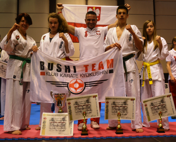 Bushi Team z medalami na Mistrzostwach Europy Karate Kyokushin w Warnie
