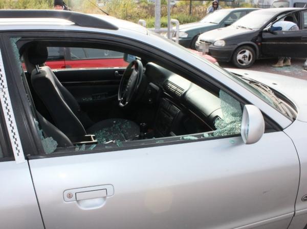 Stara Iwiczna - uszkodzono 20 samochodów - apel do świadków
