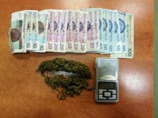 Dealer z klientem trafili do policyjnej celi