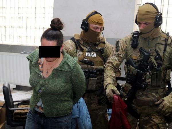Zlikwidowano nielegalną produkcję papierosów, areszt dla 49- letniego obywatela Ukrainy