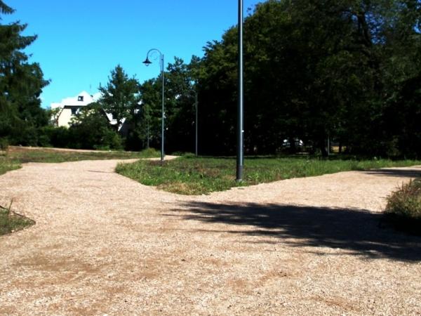 Alejki parkowe w Piasecznie