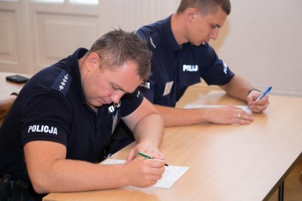 asp.szt. Mariusz Wielogórski zwycięzcą zawodów na najlepszego dzielnicowego Komendy Stołecznej Policji