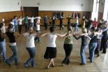 Tańce izraelskie w kole w Klubie Kobiet Kreatywnych