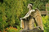 W jaki pomnik cmentarny warto zainwestować?