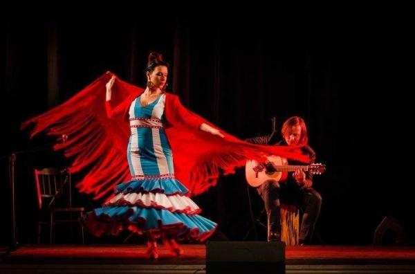 """Flamenco """"Con Amor"""" - muzyka na skwerze"""