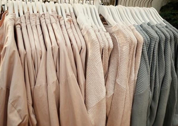 Szafa zamiast garderoby? Zobacz na co zwrócić uwagę!