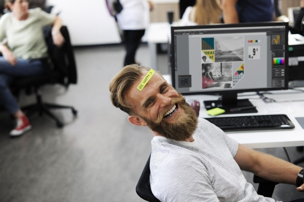 Dokładne i regularne sprzątanie biur to same korzyści