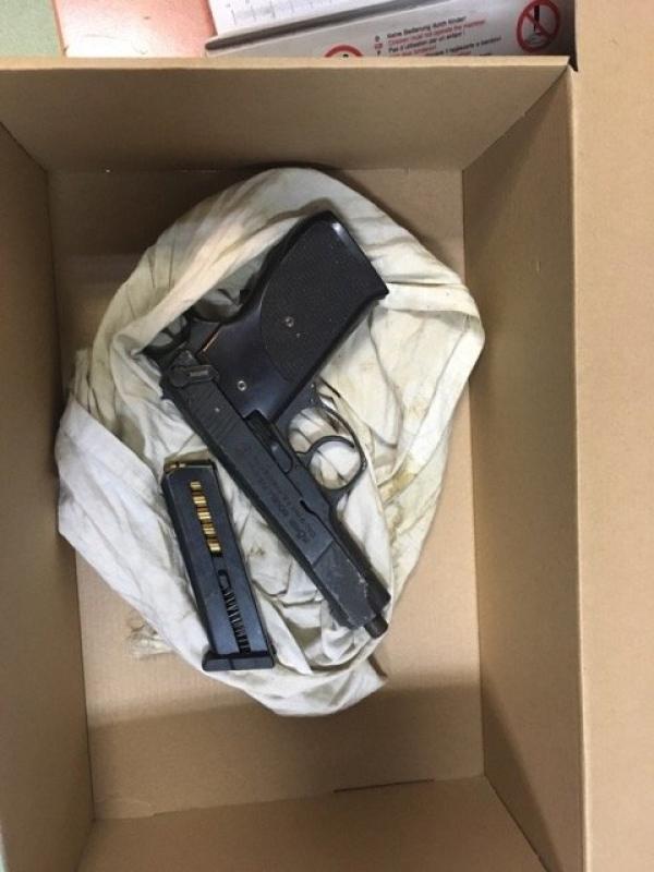 Kokaina, Ekstazy, Marihuana, Amfetamina oraz broń zabezpieczona przez kryminalnych z Piaseczna