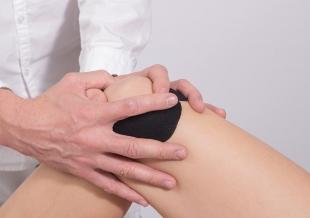 Czujesz ucisk w kolanie? Wyprofilowana orteza może mu zapobiec!