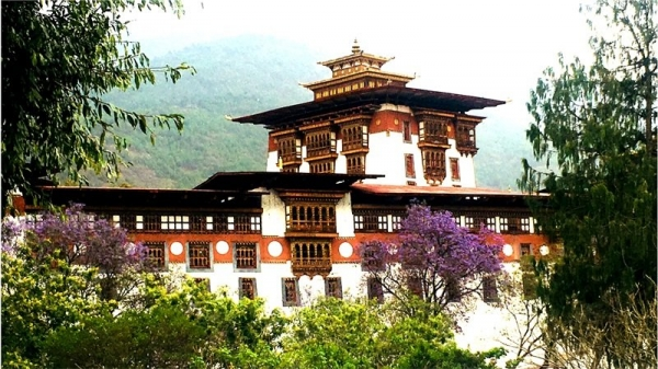 Bhutan - podróż poza czasem