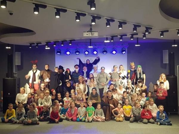 Spektakl Królowa Śniegu w CEM – gramy dla Serduszka Wojtusia