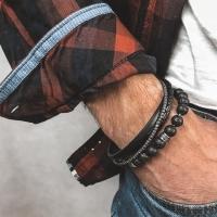 Skórzane bransoletki - dodatek do wyjściowych i casualowych stylizacji