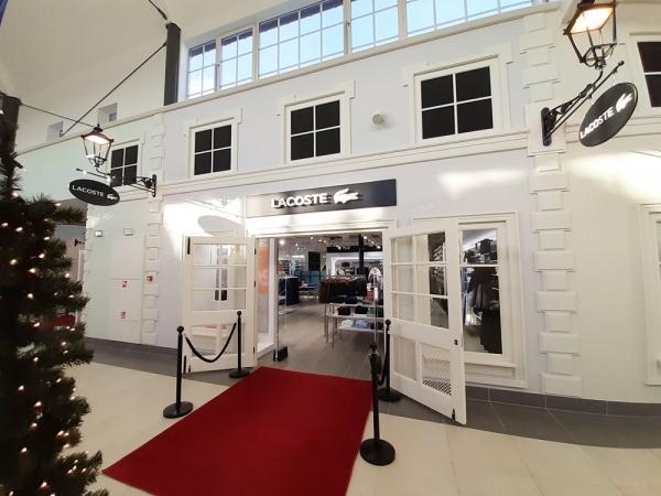 Lacoste już otwarty! Pierwszy salon w nowej części handlowej Designer Outlet Warszawa powitał klientów