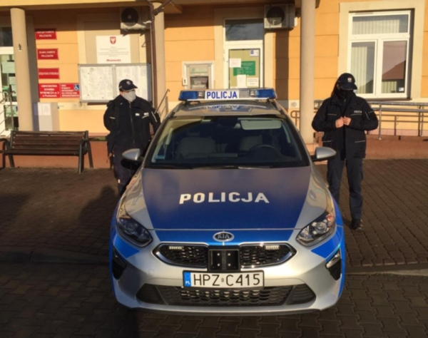Policjanci z Prażmowa pod choinkę otrzymali nowy radiowóz