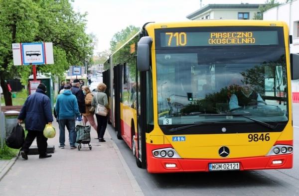 """Autobus 710 na pętlę """"Targowisko"""""""