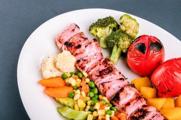 Catering dietetyczny - pomoc w nauce zdrowych nawyków żywieniowych