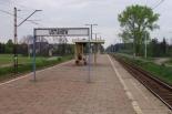 Blokował odjazd pociągu, wraz z kolegą zapłacą teraz 2 400 złotych